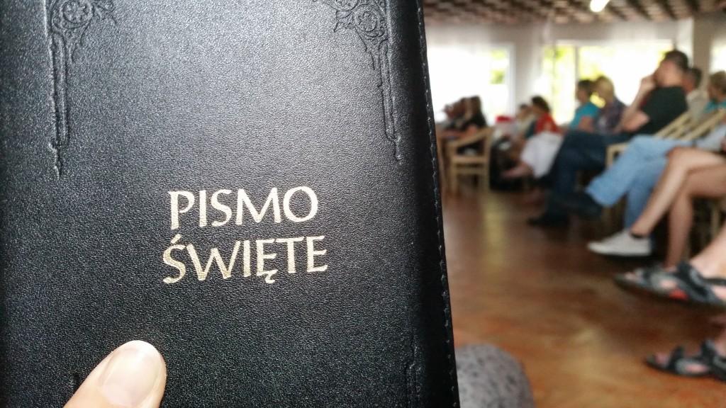 Czytamy Pismo Święte  fot. Trz